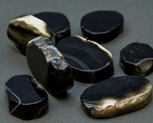 Характеристики камня черный агат и знаки Зодиака