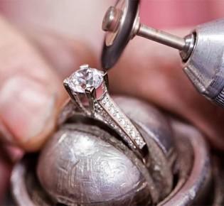 Чем почистить топаз и серьги из серебра