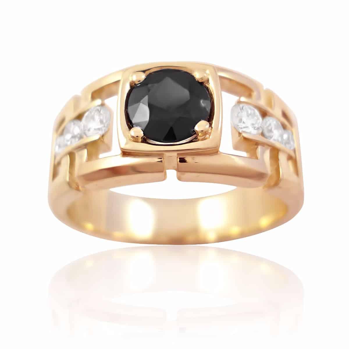 Бриллиант в мужском кольце