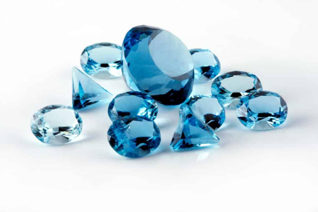 Что такое нанотопаз и отличия от натурального камня