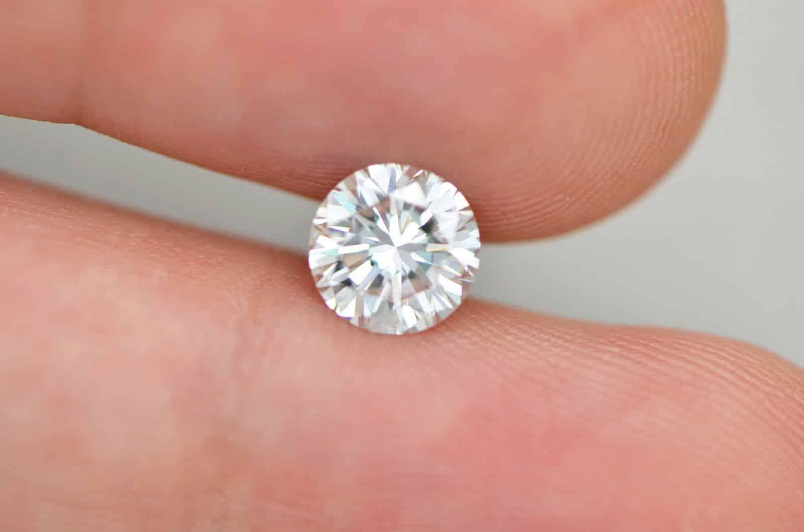 Карат бриллианта и размеры камня в миллиметрах