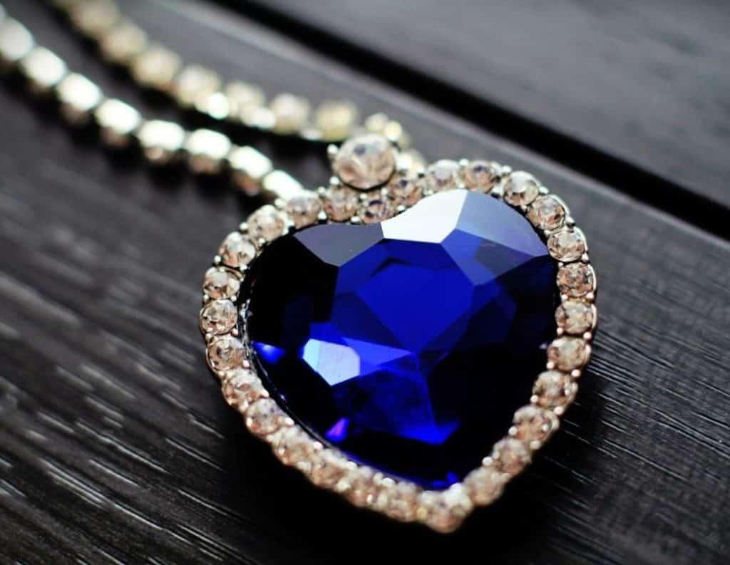 Сердце океана голубой бриллиант