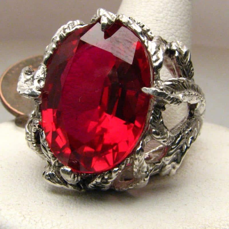 Рубин облагороженный в ювелирных украшениях