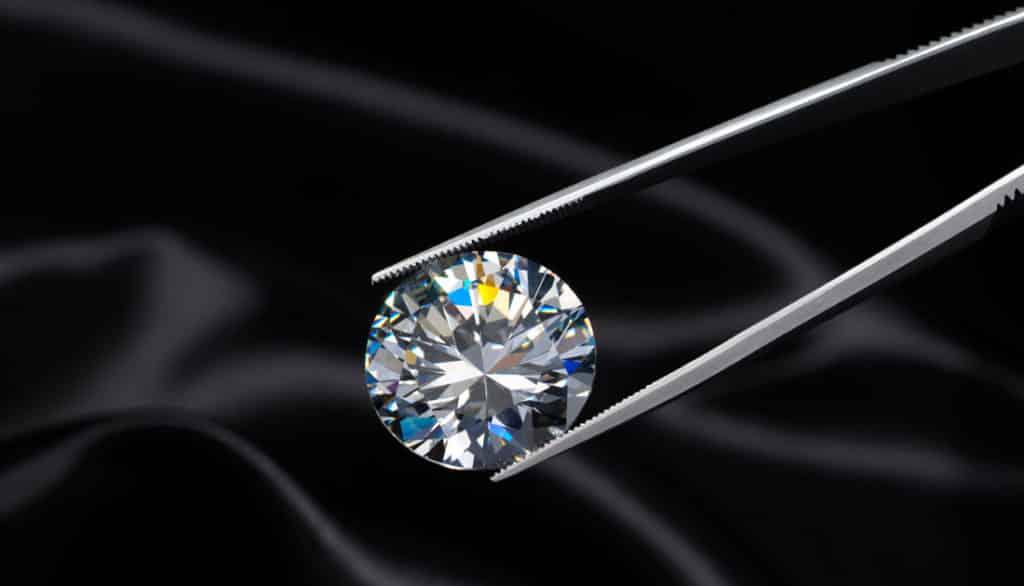 Как отличить подделку от бриллианта