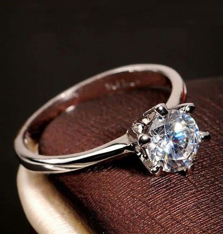 Как уменьшить размер кольца: изменение размера кольца в мастерской и в домашних условиях
