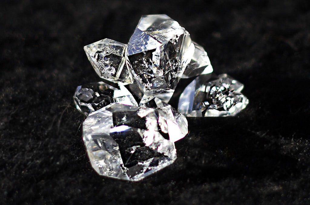 Алмазы метеоритного происхождения