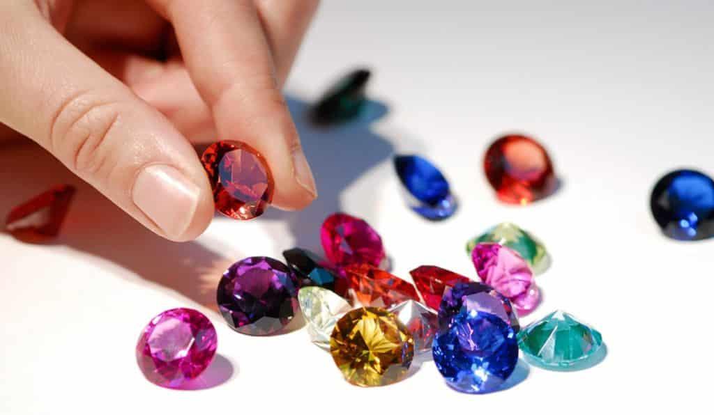 Толклвание снов с цветными камнями по дням недели
