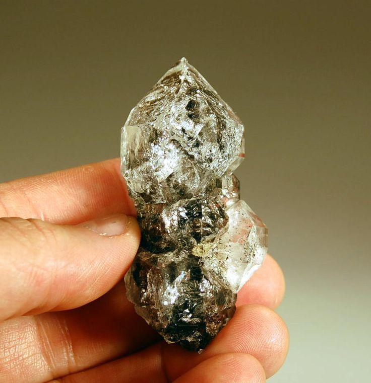 Алмаз как минерал и его представление