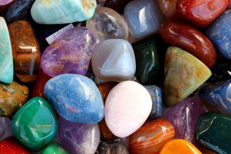 Толкоание снов с цветными камнями