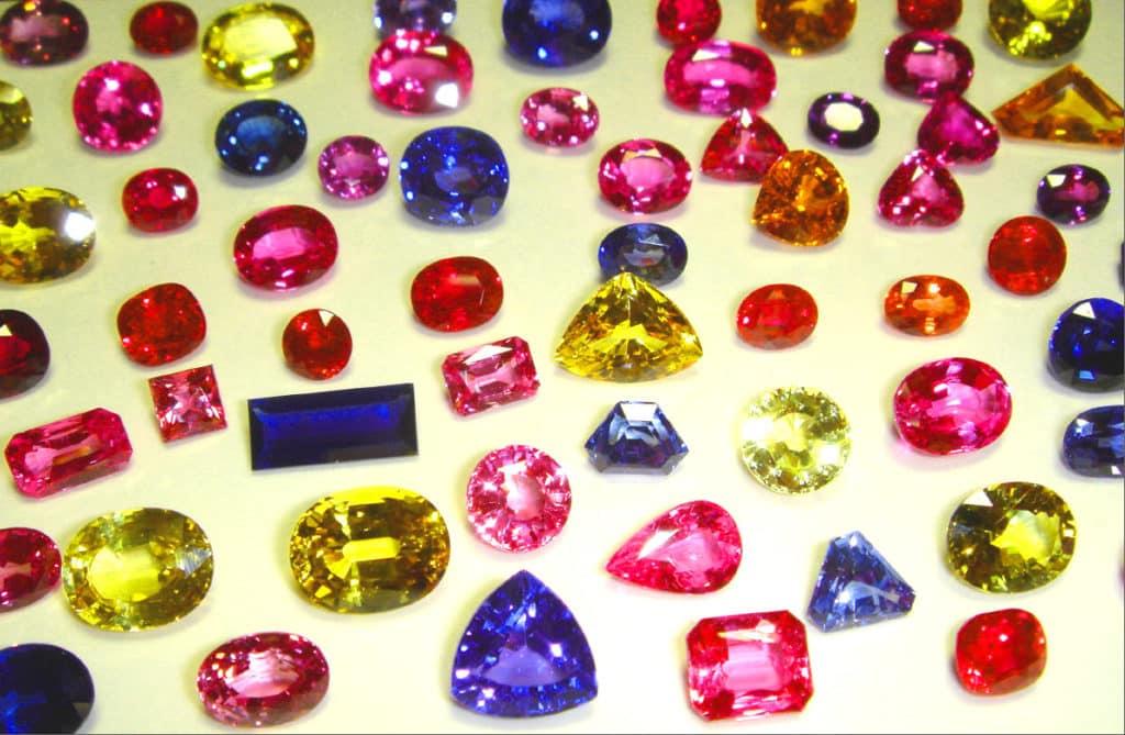 Синтетические камни в ювелирных украшениях