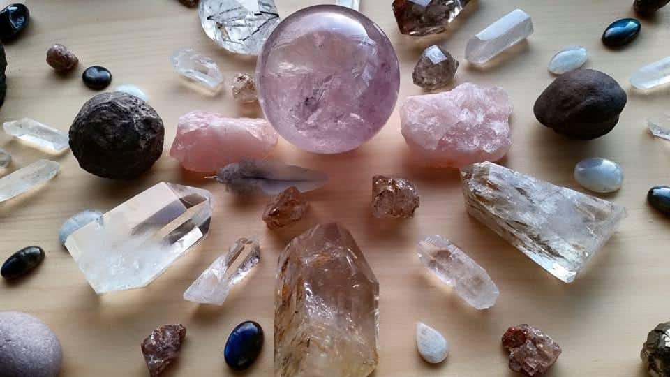 Камни для знака зодиака весы