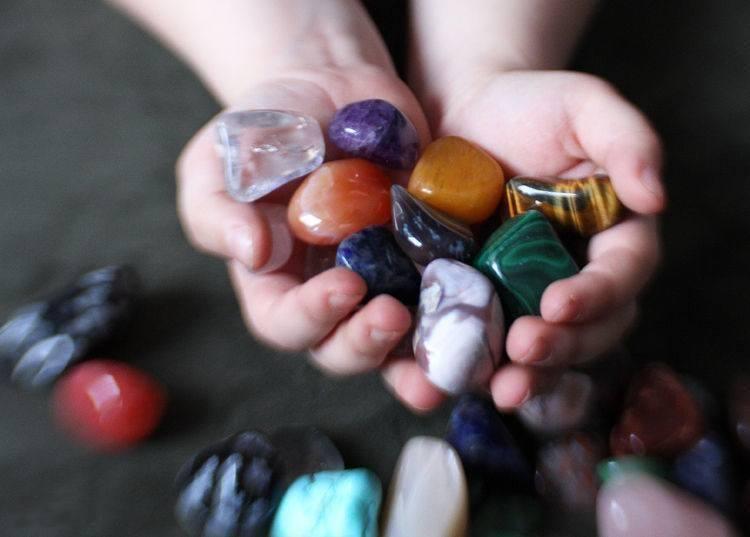 Лечение камнями и способы
