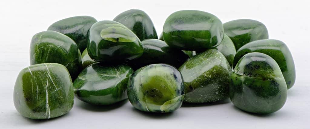 Магические и целебные свойства камня нефрит