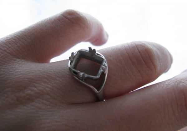 выпал камень из кольца какая примета